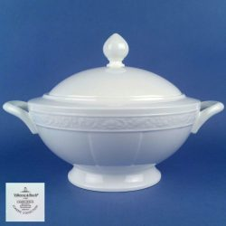 VILLEROY & BOCH Cameo White 1.70ltr Covered Vegetable Tureen