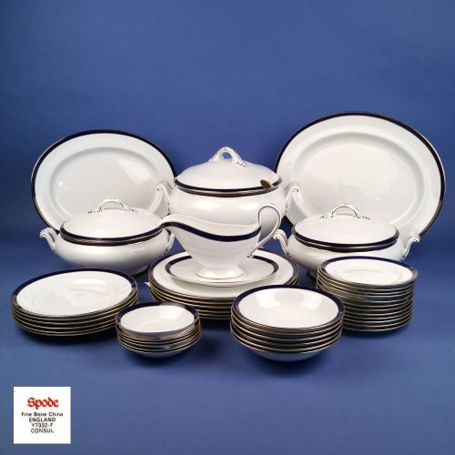 SPODE Consul Dinner Service White Gold and Cobalt Blue Pattern Y7332 44 Pieces