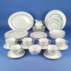 ROYAL DOULTON Argenta TC1002 Dinner Set